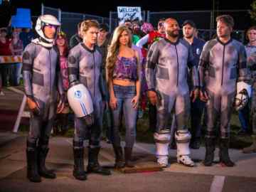 Nichole Bloom and Victoria Pratt Join Cast of 'Lazer Team 2' from YouTube Red 42