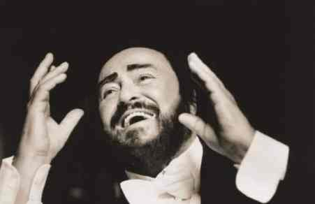 Pavarotti got debuted at the Grammys 20