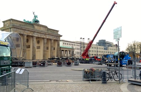 Preparations for the 25th anniversary of the fall of the Berlin Wall.