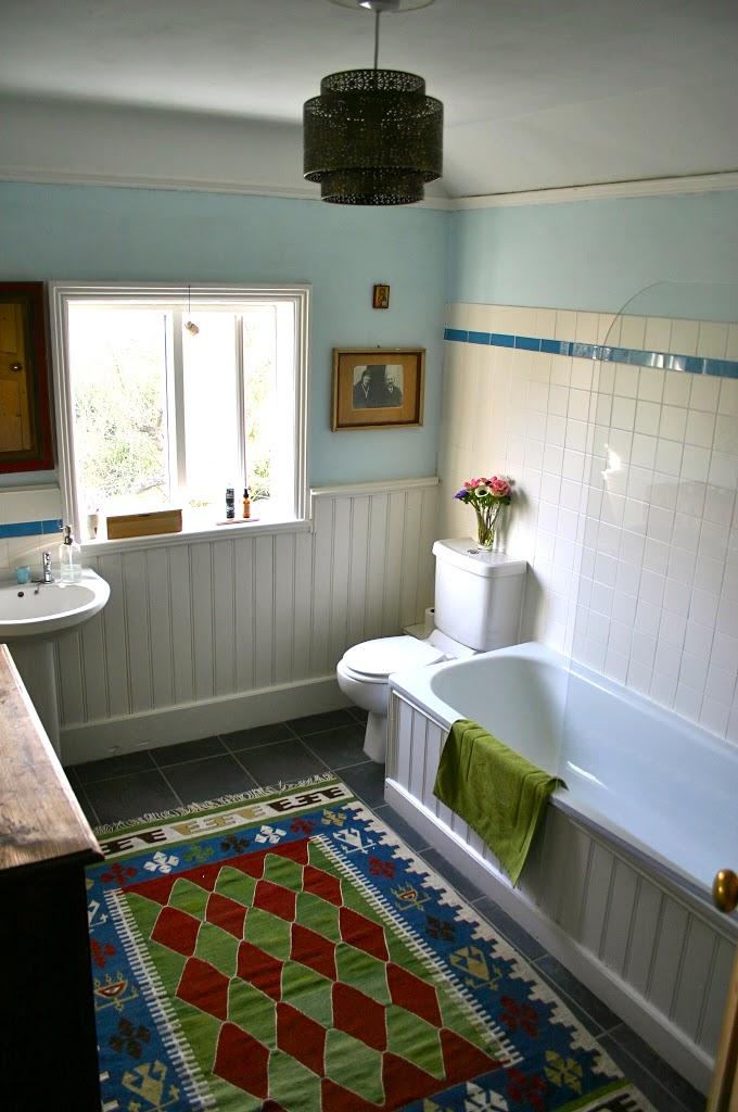 Amazing British Bathroom Exterior