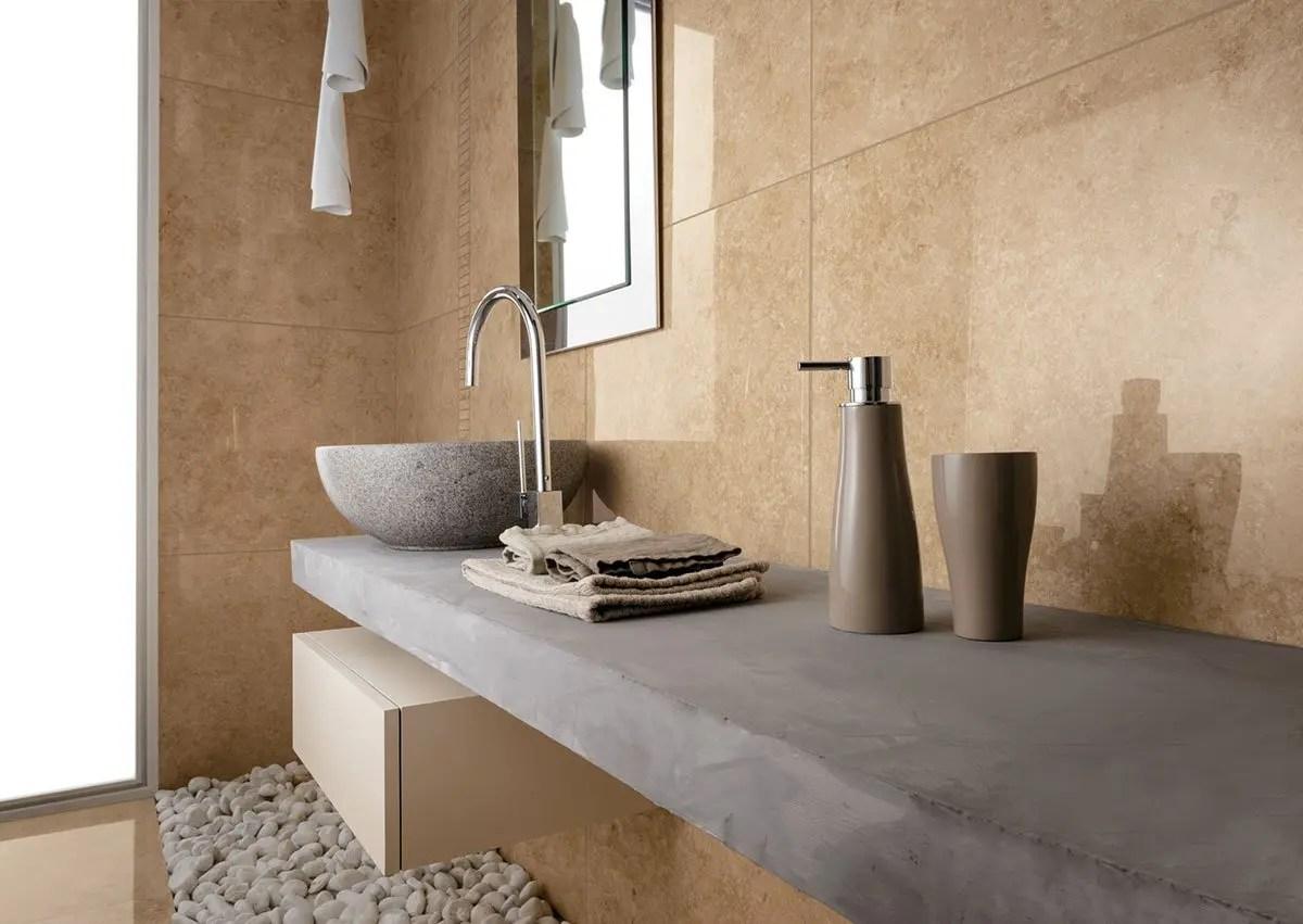 Bagno effetto pietra beige serie natural pavimenti e