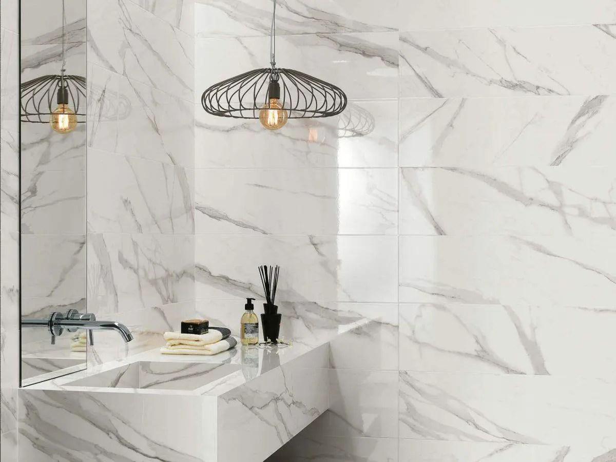 Piastrelle bagno collezione roma diamond luminoso fascino andhome by depr - Bagno effetto marmo ...