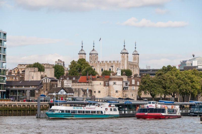 Tower of London - Blick von der Themse