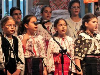 """Festivalul """"RomânIA cu povești"""""""