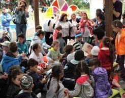 """La lectura poveștii """"Pentru Petrică, iepurașul meu cu ochii roșii"""" / Festivalul Amintiri din copilărie"""
