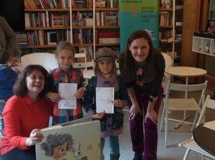 Atelier de cărți personalizate - Sînziana Popescu și Iulia Ignat alături de două scriitoare în devenire