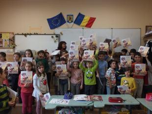 """""""Pentru Petrică, iepurașul meu cu ochii roșii"""" și copiii de la Școala """"Titu Maiorescu"""""""