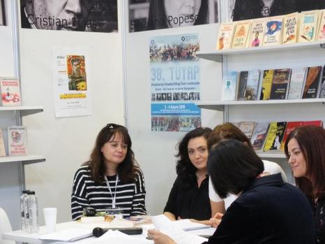 Cu Andreea Rasuceanu și Ayşe Övür İmza Günü — with Arzu Oren and Şeila Çelik.