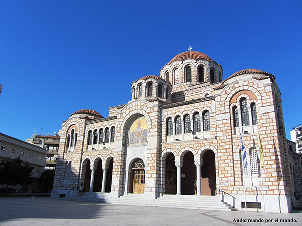 Andorreando Catedral st Nicolás Volos.