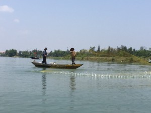 Andorreando pescador-vietnamita