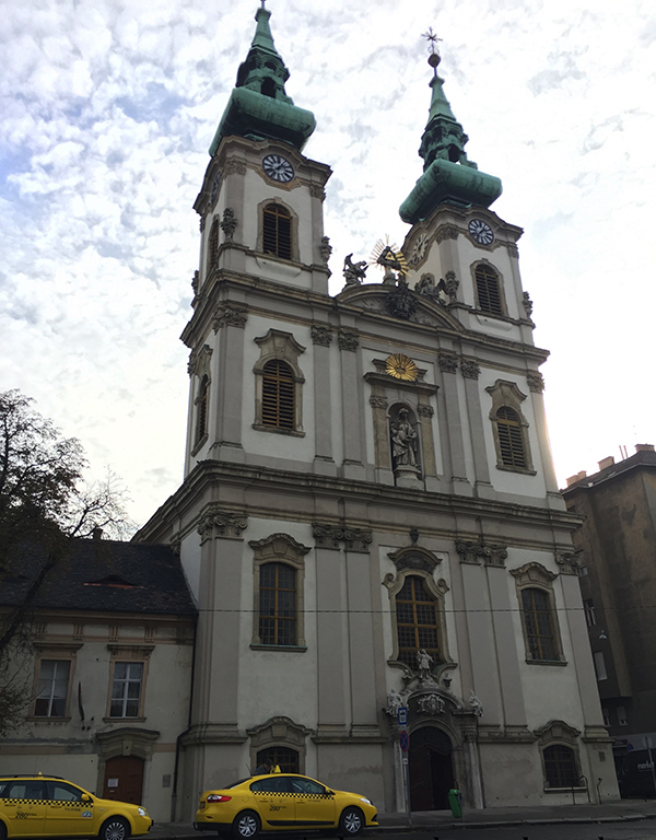 Inglesia Santa Ana. Budapest