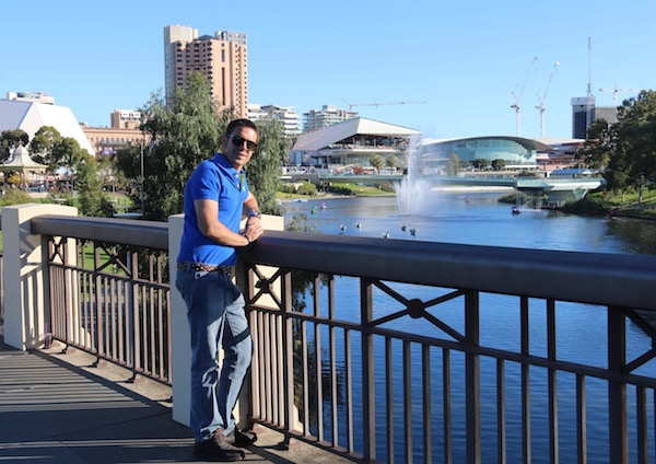 Adelaide Bridge-Andorreando por el Mundo