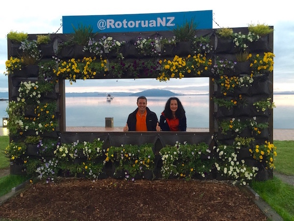 Letrero Rotorua-Andorreando por el Mundo