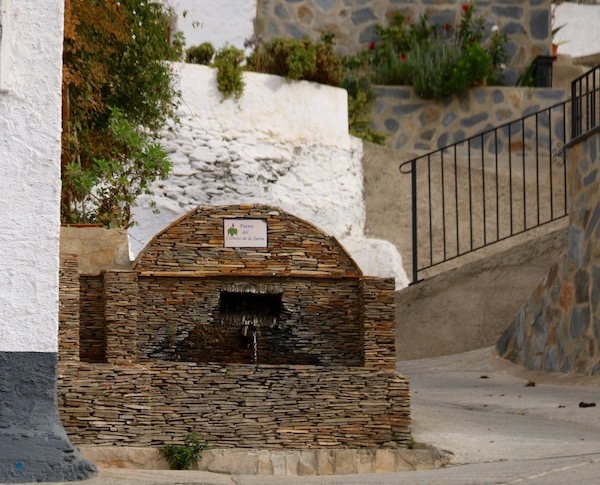 Fuente Camino Sierra