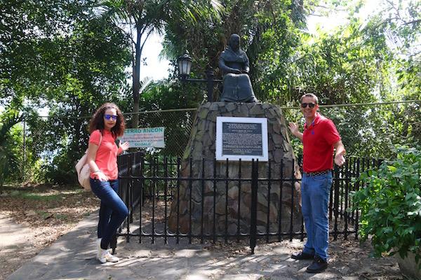 Monumento Amelia Denis Icaza