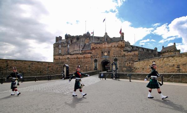 Cambio Guardia Castillo Edimburgo