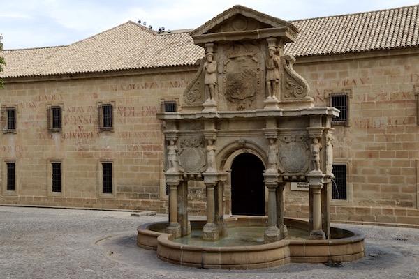 Fuente Santa María