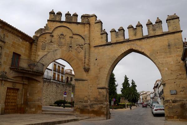 Puerta de Jaén y Arco de Villalar