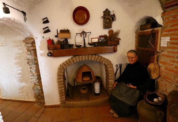 Cueva Museo Alfarería La Alcazaba