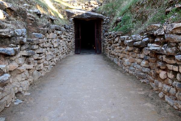 Entrada Dolmen de El Romeral