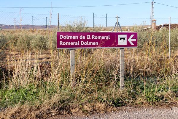 Señalización Dolmen de El Romeral