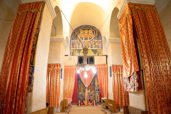 Interior iglesia vieja de Santa María de Sion