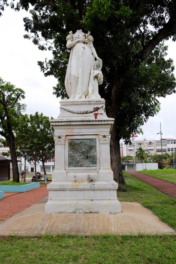 estatua de María Josefina Rosa Tascherde la Pagerie