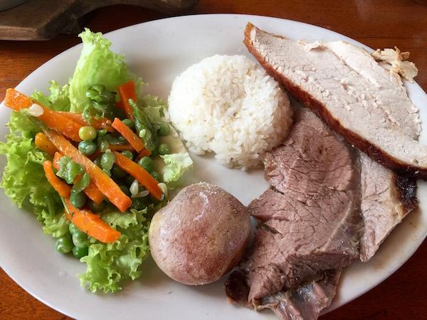 Carnes a la brasa, Restaurante Asador Sal y Gallina.