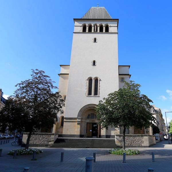 Fachada iglesia del Sagrado Corazón.