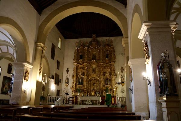 Interior iglesia de Santa María la Mayor.