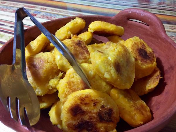 Tortillas de papas con queso.