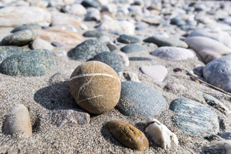Steine im Flussbett