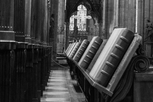 Bücher in der Stiftskirche Heiligenkreuz (Wienerwald)