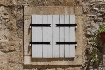 Fenster in Budva (Montenegro)