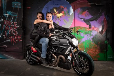 Couple on Ducati Diavel, Shooting Kunstpark Ost