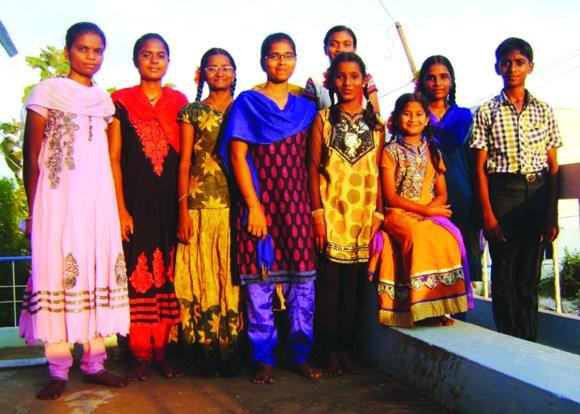 Le groupe de jeunes, tous issus de familles touchées par le VIH, dont Help s'occupe depuis presque dix ans, touchés de près ou de loin par le VIH/SIDA. Quatre de ces jeunes filles sont ou seront en Collège d'ingénieurs en cette année 2016.