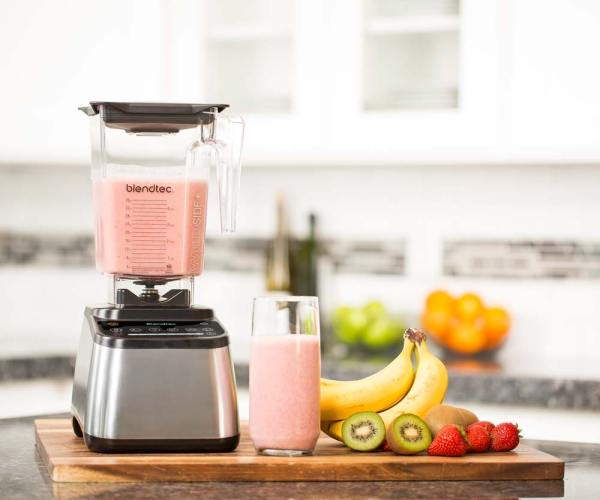 Designer-725-with-Pink-Smoothie1