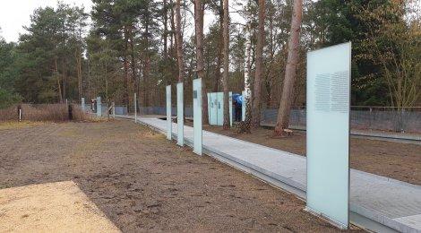Gedenkveranstaltung in der Gedenkstätte des KZ-Außenlagers Jamlitz