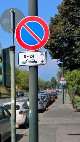 Corso Appio Claudio - Divieto di sosta 01