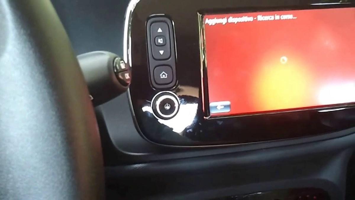 Nuova Smart Fortwo car2go - Come associarla con il proprio smartphone