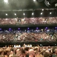 Ziggo Dome Amsterdam waiting for Metallica - VIDEO