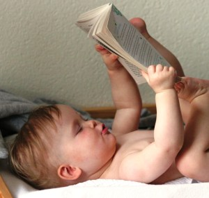 baby_reading_book.