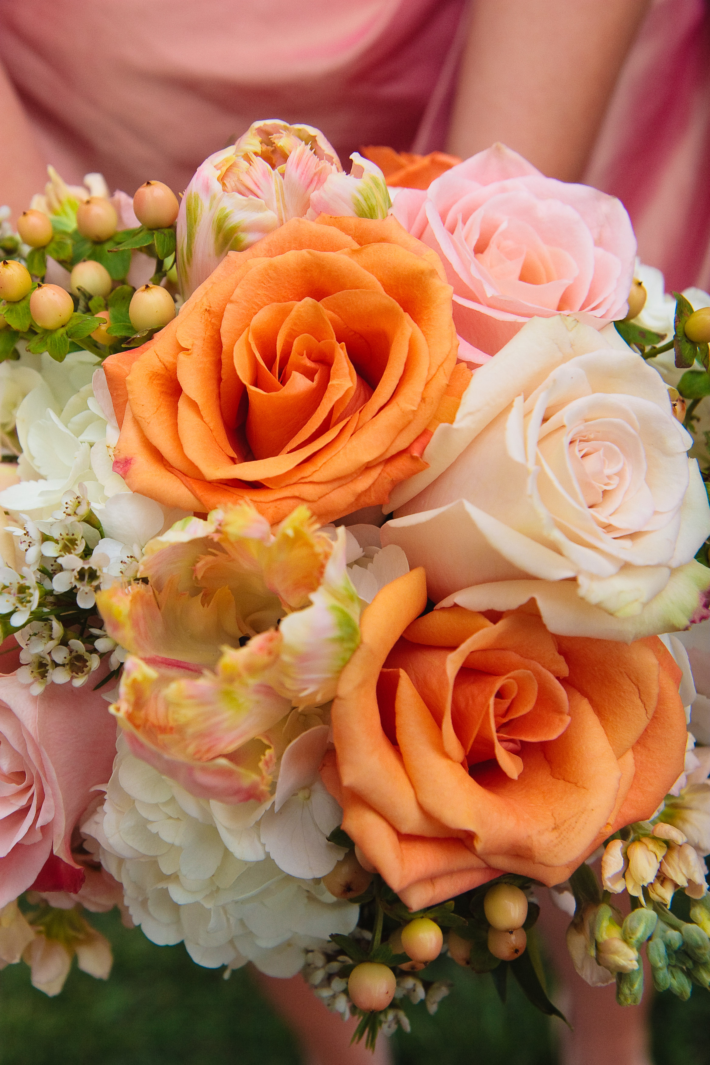 coral peach and orange wedding flowers