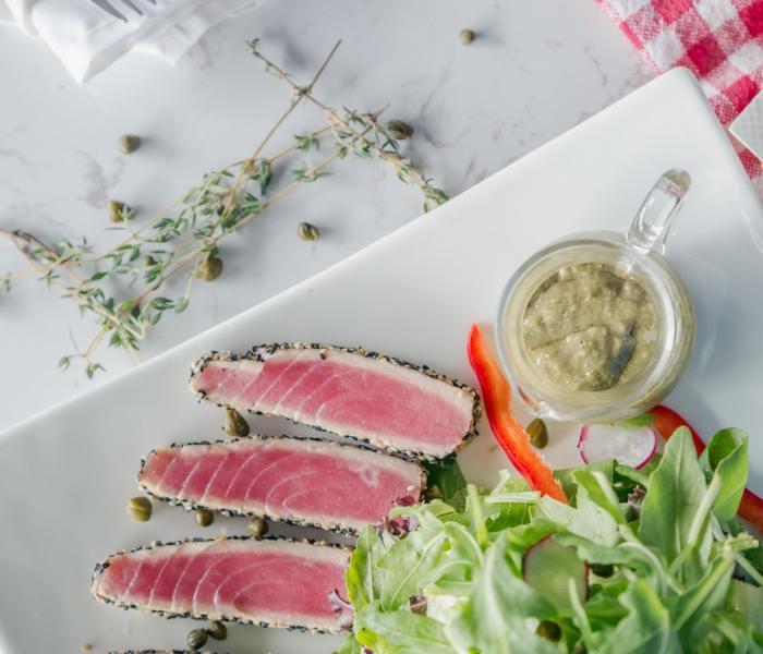 Entre cuchillos japoneses, cortes delicados de sushi