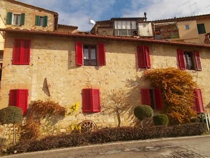 casa-dall-finestre-rosse-2