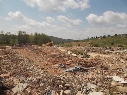 radda, distruzione fabbrica laca (14)