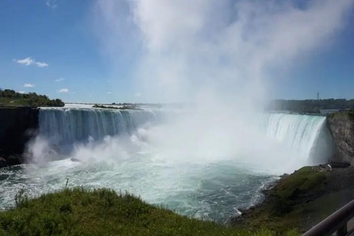 Visiting Niagara Falls | www.andreapeacock.com