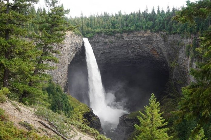 Kamloops, British Columbia Waterfall Guide | Helmcken Falls| Kamloops Hiking Guide | British Columbia Hiking Guide | Canada Hiking Travel Guide