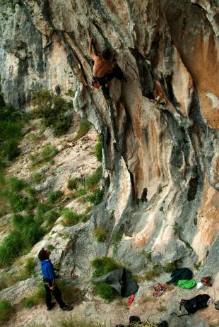 Climbing in Medveja - Photo by Leo Comelli