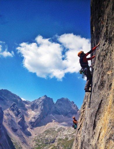 Io, il Deca e la roccia della Marmolada - Foto Leocom - Leonardo Comelli